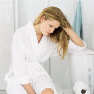 Боль после дефекации - первый симптом геморроя