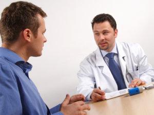 Мужчины часто стесняются посетить врача при неприятных симптомах
