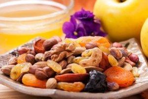 Питание - правильное и богатое на клетчатку поможет избежатьзапоров