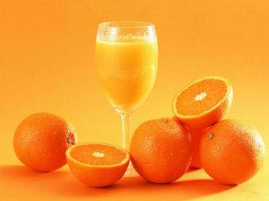 Кал ярко-оранжевого цвета