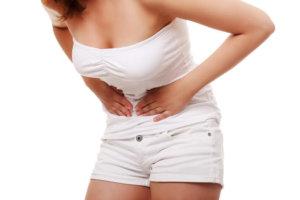 боль и вздутие зачастую у женщин возникают перед менструацией