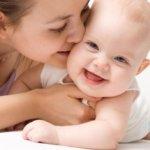 Что делать, если у месячного ребенка понос? В каких случаях не стоит беспокоиться, а когда срочно необходимо вызывать врача?