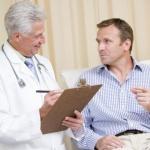 Почему кал черного цвета — повод обращения к врачу