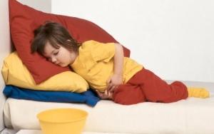 У ребенка ночью болит живот