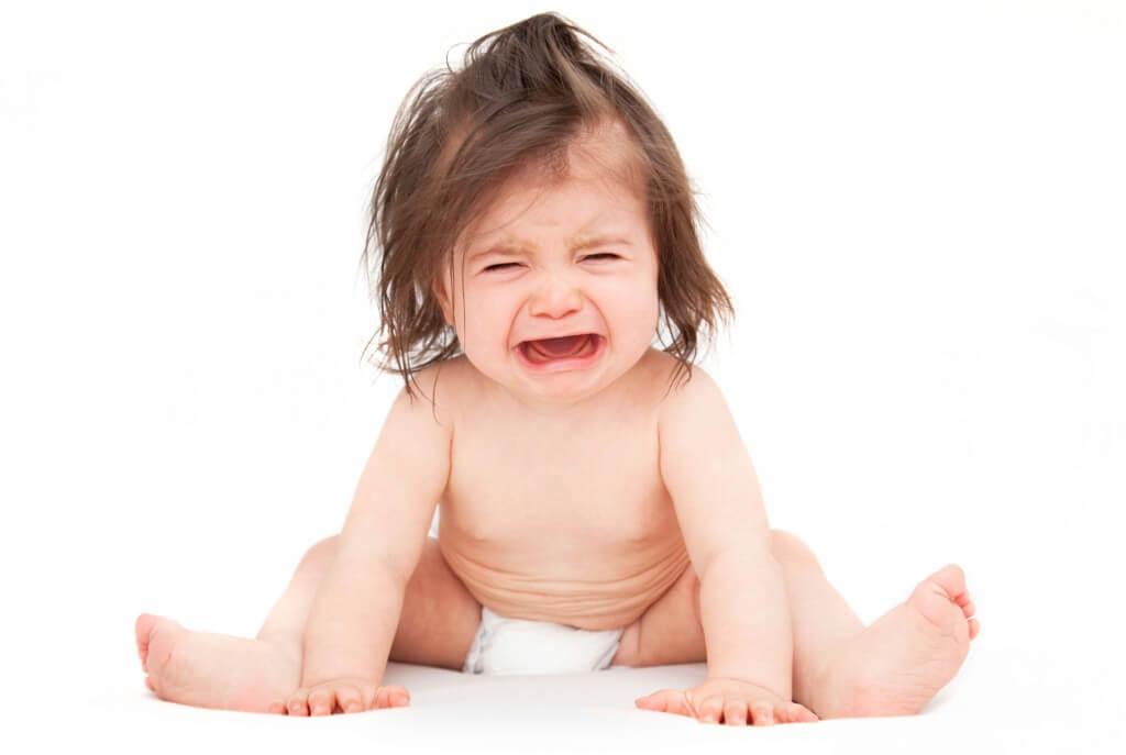 Почему у годовалого ребенка болит живот ночью