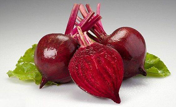 Свекла: полезные свойства, использование и противопоказания целебного корнеплода