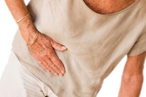 Острая боль в правом боку: причины появления и ее значение в зависимости от локализации