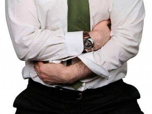 Тошнит после каждого приема пищи: возможные причины, лечение и последствия