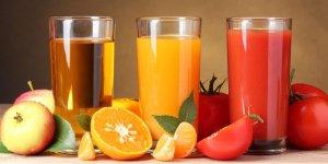 Стул оранжевого цвета у взрослого