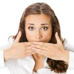 Кислый запах изо рта: причины неприятного явления