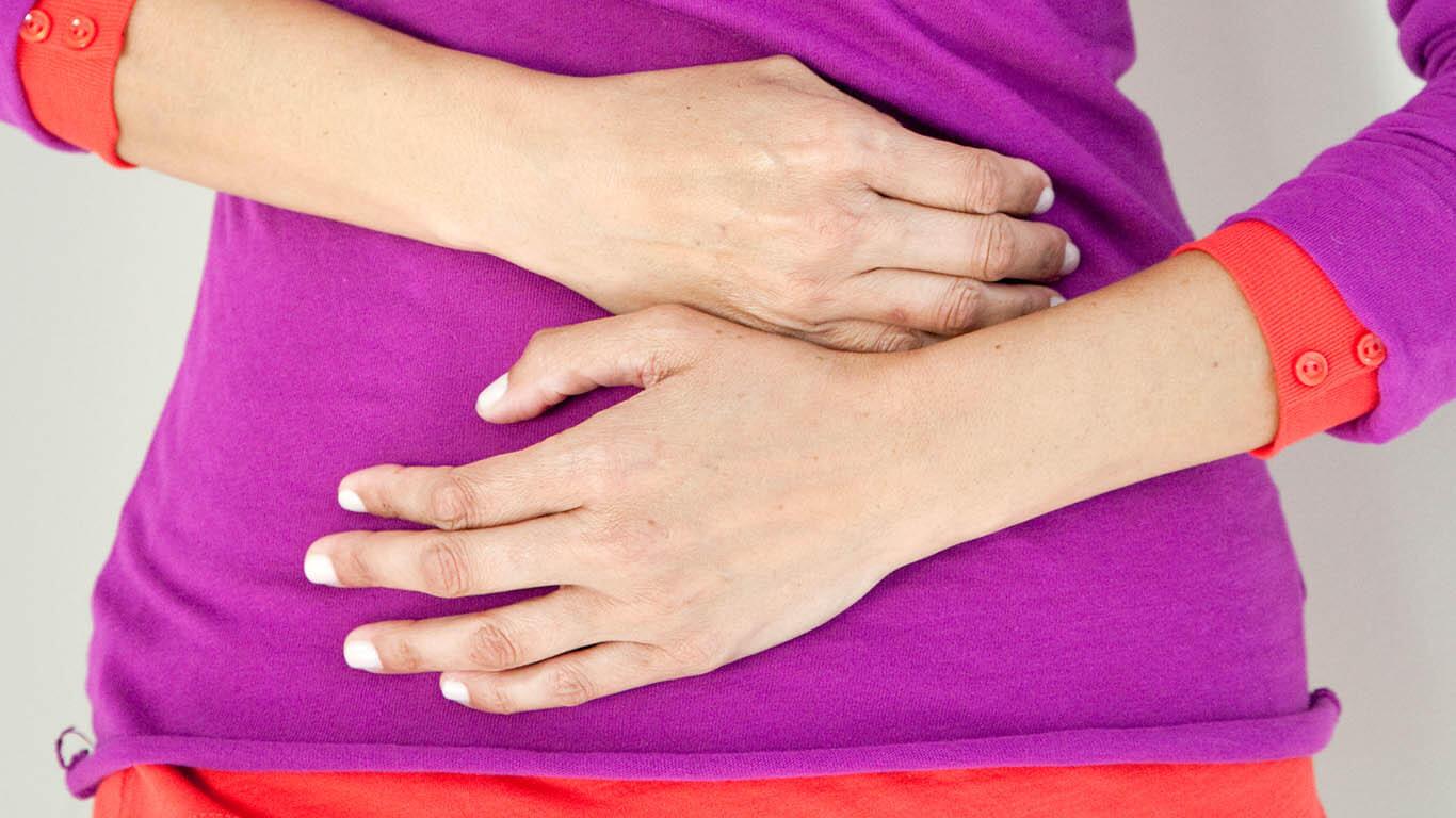 Почему возникает жгучая боль в желудке и как ее устранить?