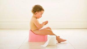 Желтый понос у ребенка: причины, симптоматика и лечение патологии