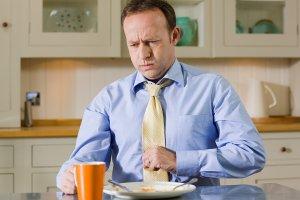Печет желудок после еды или употребления алкоголя, как избавиться от ощущения