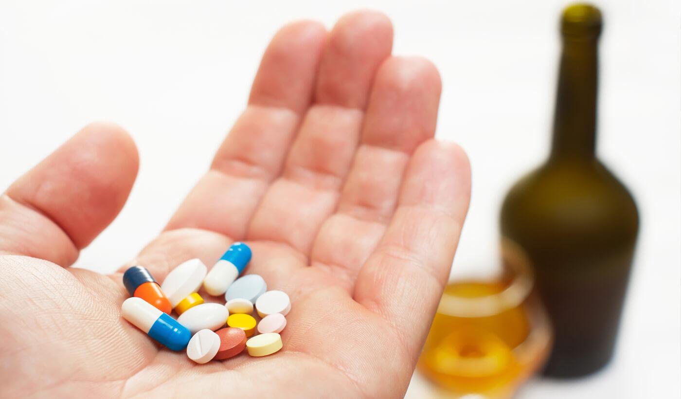 Таблетки при гастрите: антациды, ингибиторы протонного насоса, антибиотики и другие лекарства