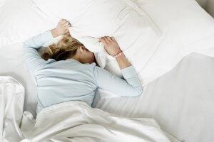 Основные причины тошноты утром