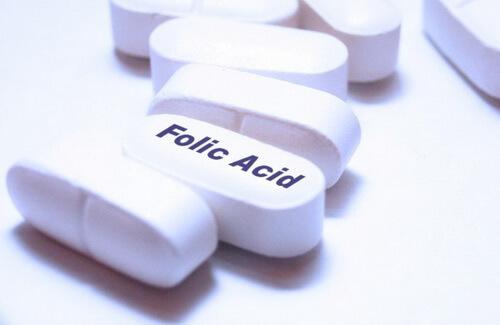 Поговорим о витаминах: какой должна быть суточная доза фолиевой кислоты