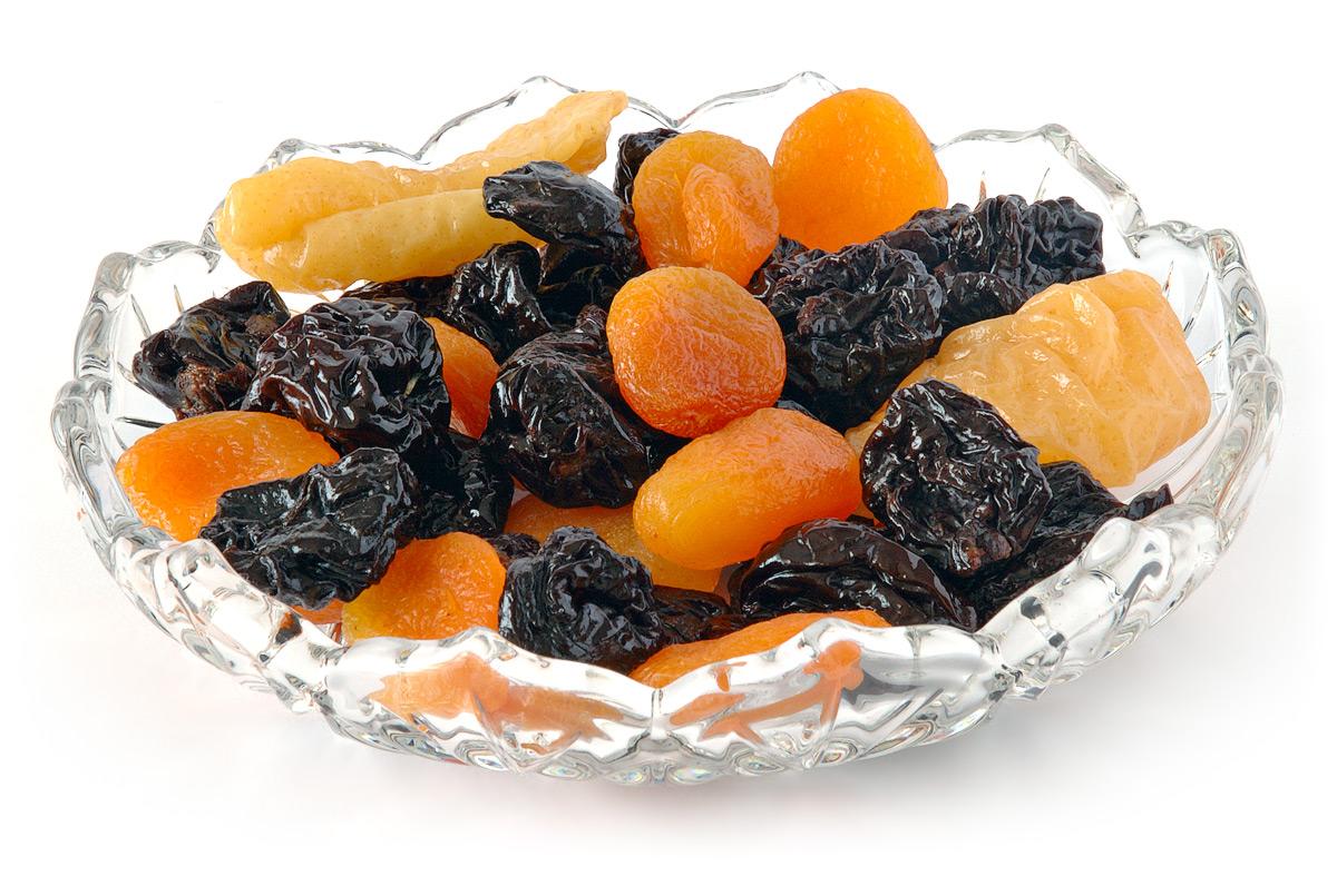 Чернослив: ккал и особенности приема в пищу