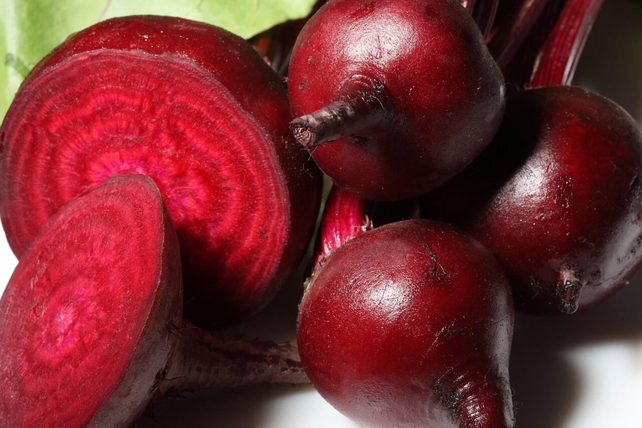 В чем заключаются лечебные свойства красной свеклы
