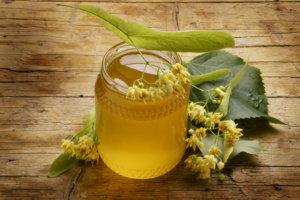 Целебные свойства липового меда: калорийность, при каких болезнях его назначают