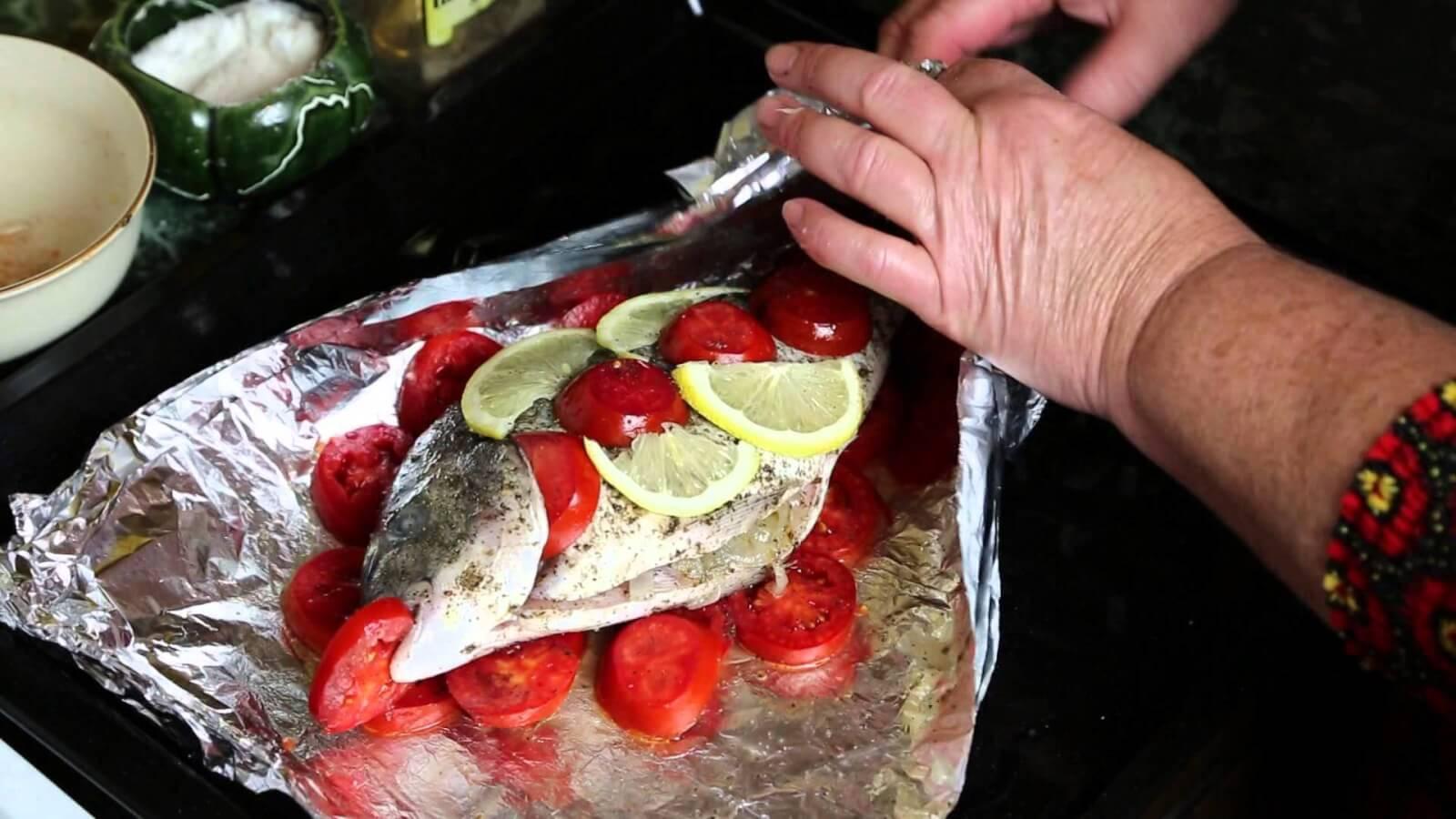 Запекание рыбы в духовке в фольге, нюансы и правила подготовки ингредиентов