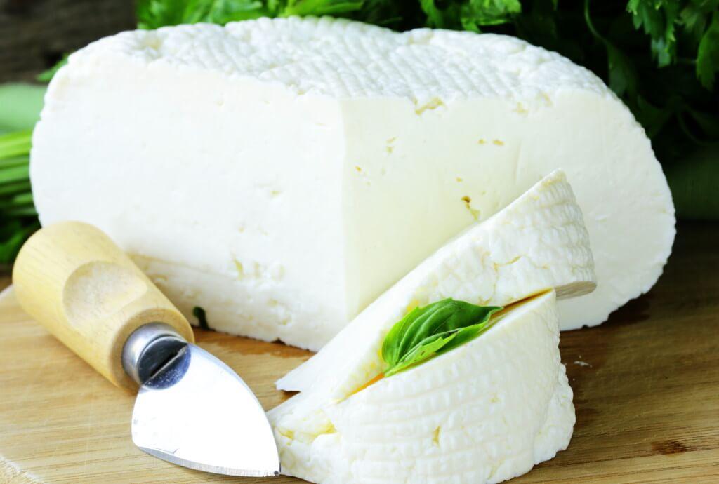 Какой состав и сколько калорий в адыгейском сыре