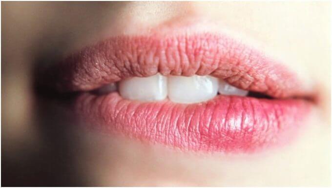 Признаки рака губы, факторы риска и способы лечения