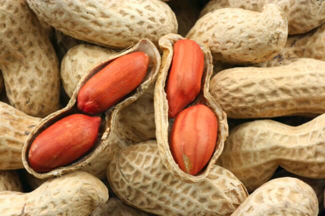 Неочищенный арахис