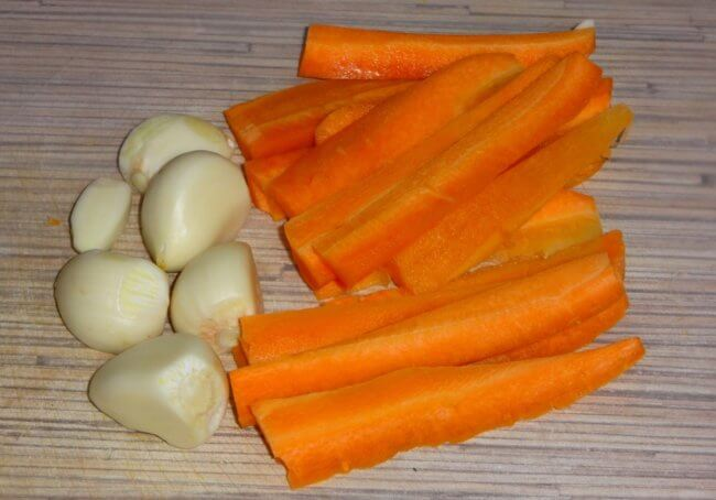 Морковка с чесноком