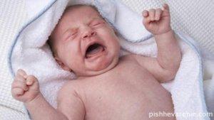 Малыш начинает беспокойно себя вести