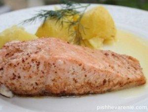 Рыба, приготовленная в мультиварке, остается сочной