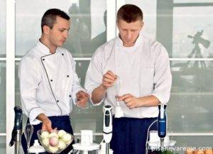 Даже самые именитые повара не могут представить кухню без блендера!