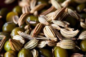 Крошечные семена фенхеля
