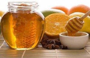 Мед широко применяют в народной медицине