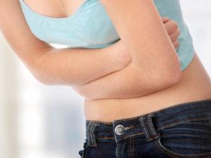 Симптомы атрофии слизистой желудка разнообразные, среди них - боль