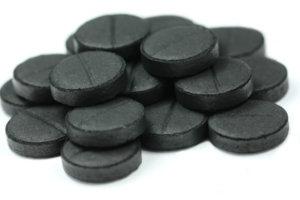 Активированній уголь найдется практически в каждой птечке