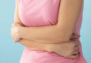 При болях в области желудка следует обратиться к врачу