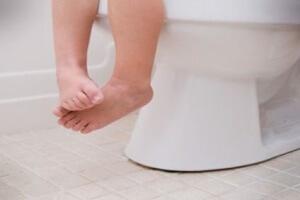 Понос у ребенка два года: что делать с диарей у малышей