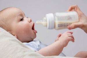 Отрыжка и карапузы. Стоит ли беспокоиться родителям новорожденных?
