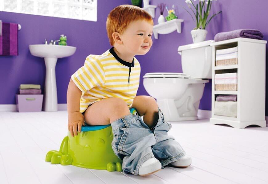 Зеленый стул у ребенка 1 год: насколько опасно и что делать?
