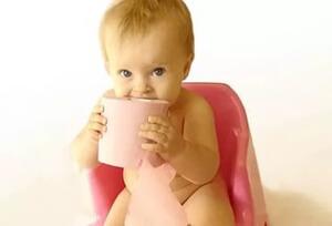 ребенок просить пить