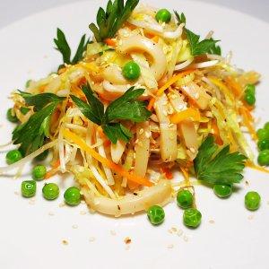 Мясной салат с соевыми ростками