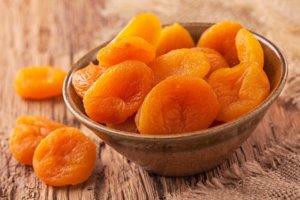 Курага от запора: полезные свойства, профилактика запоров с помощью сушеного фрукта