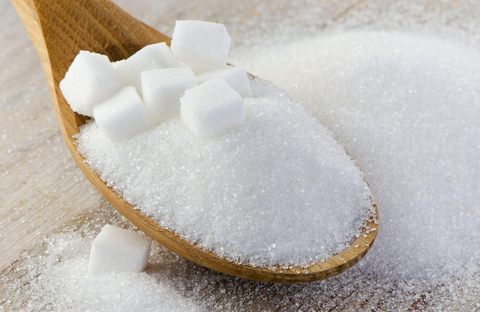 Полезные сведения о сахарном песке: калорийность, польза и вред