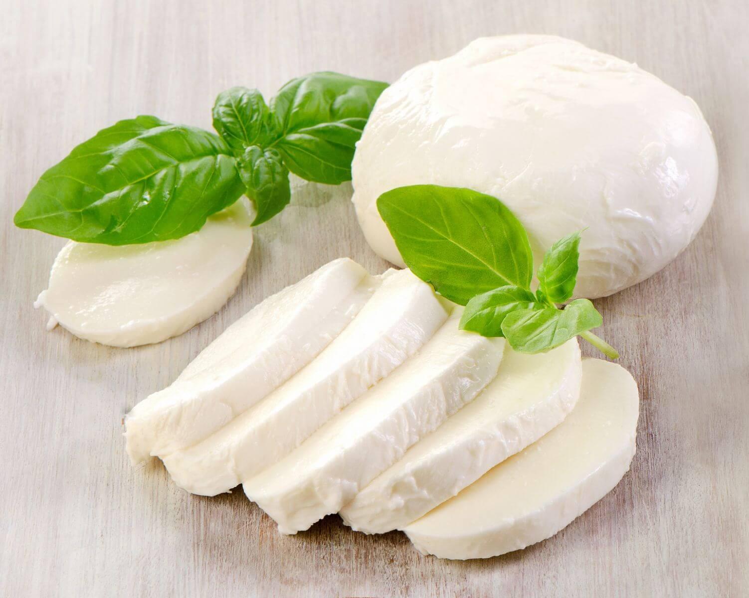 Рекомендации по изготовлению сыра моцарелла, состав и калорийность продукта