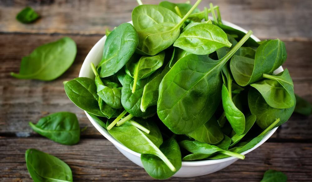 Чем полезен шпинат для женщин, как использовать его свойства