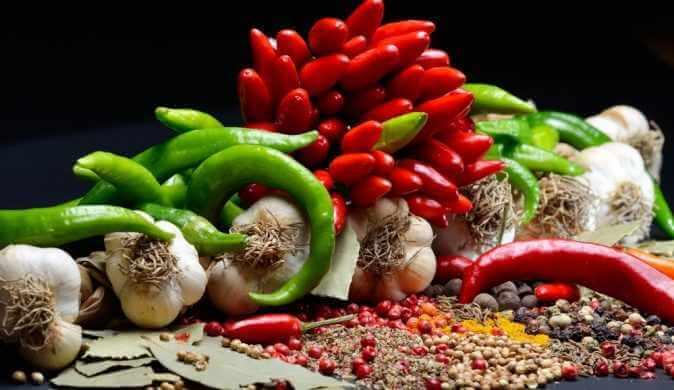 Острая еда — польза и вред продуктов, а также их противопоказания к употреблению