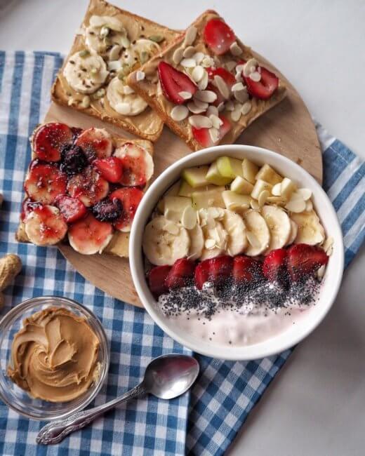 Арахисовая паста с фруктами