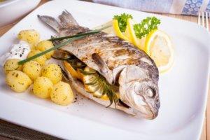Карп — калорийность, полезные вещества, диетические рецепты