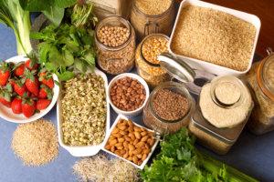 Какой эффект на организм оказывает грубая клетчатка, в каких продуктах она содержится