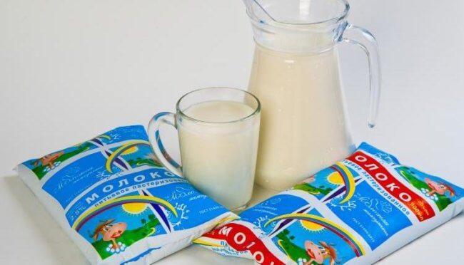 Упаковки молока